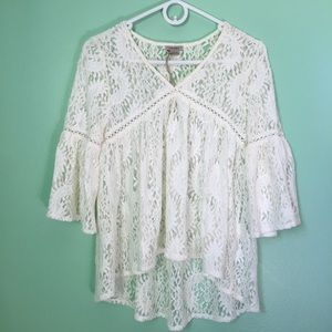 Anamá Lace Peasant Top